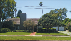 Architect George C. Buchtenkirk's home as it appears today. The home is a classic Bahama Shores ranch-style home and abuts Tampa Bay.