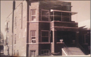 Capone bought this 15-room duplex in Chicago around 1923, where he, his wife, mother, brother John, and his sisters, and children resided. The duplex was near his boss Johnny Torrios' residence.