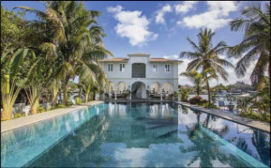 Capone's 14-room residence in Florida was not in St. Petersburg, but at Palm Island (Miami Beach), Florida.