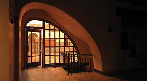 Arched entryway out to patio